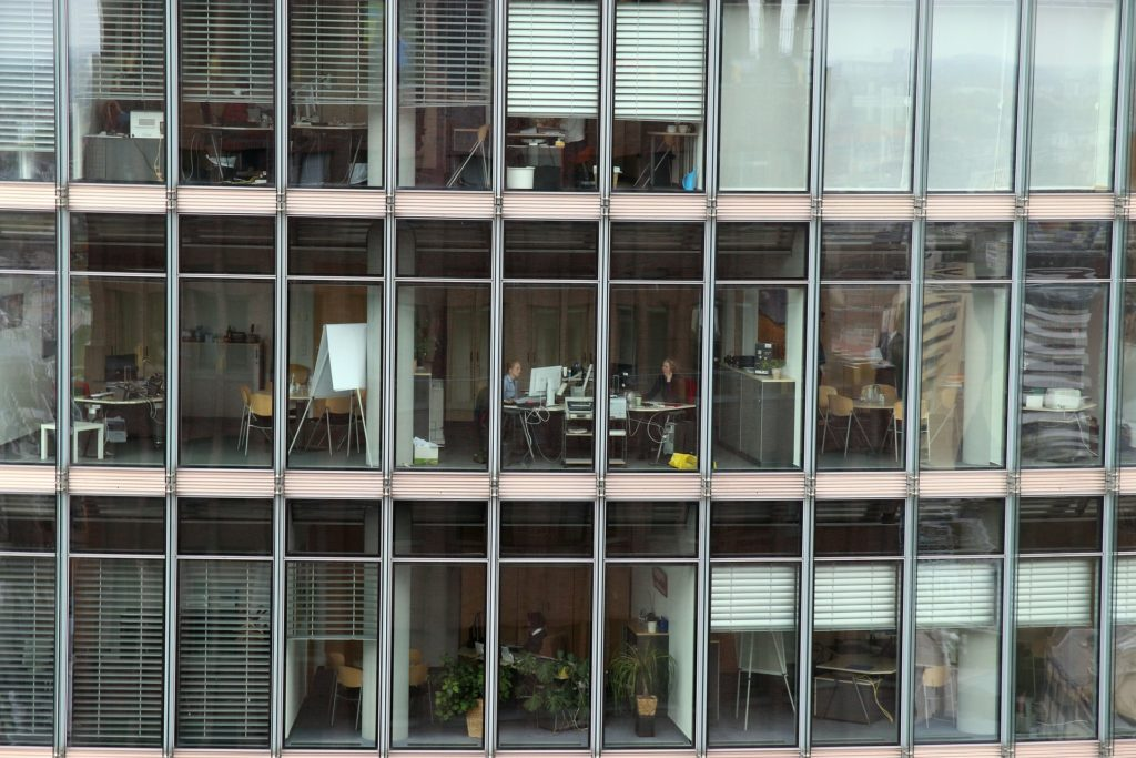 office-1006107_1920