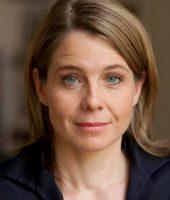 Dr. Caroline Harth  PR und Kommunikation Tel: +49 (0)180